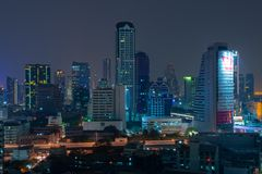 Bangkok-Nachtskyline lizenzfreie stockbilder
