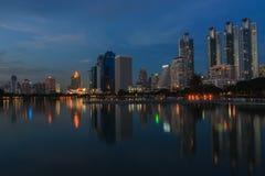Bangkok natt. Fotografering för Bildbyråer