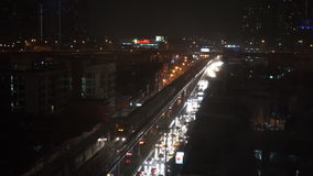 Bangkok nella notte della pioggia persistente, settembre 2015, Bangkok, Tailandia video d archivio