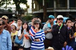 BANGKOK - NOVEMBER 11: Demokraterna är på marschen på Democr Royaltyfri Bild