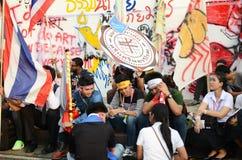BANGKOK - NOVEMBER 11, 2013: Protesten mot amnestibien Arkivfoto