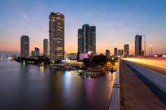 Bangkok på solnedgången. Thailand Arkivfoto