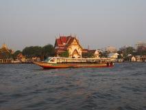 Bangkok river tahiland. Mae nam chao phraya boat and temple Royalty Free Stock Images