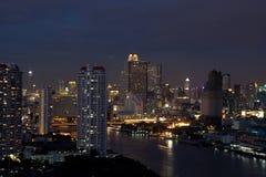 bangkok skyskrapasolnedgång Royaltyfri Foto