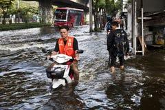 bangkok som flooding massiva thailand Arkivbilder