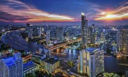 Bangkok-Stadt in der Nacht Stockbild