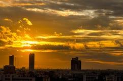 Bangkok-Stadt im Sonnenuntergang Lizenzfreie Stockbilder