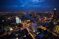 Bangkok-Stadt-Nachtskyline Lizenzfreie Stockfotografie