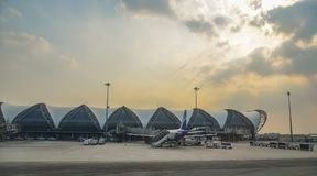 Bangkok Suvarnabhumi Lotniskowy budynek obraz royalty free