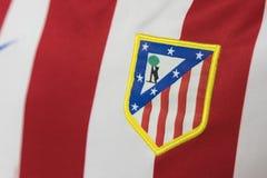 BANGKOK, TAILANDIA - 23 AGOSTO: il logo del logo di Atletico Madrid Fotografie Stock Libere da Diritti