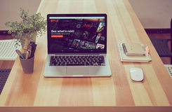 Bangkok, Tailandia - 31 agosto 2017: Netflix app sullo schermo del computer portatile Netflix è un servizio principale internazio Fotografia Stock