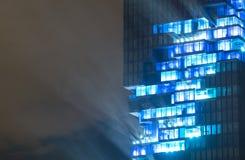 BANGKOK, Tailandia 28 agosto: Spettacolo di luci all'edificio di Mahanakhon della costruzione più alta della Tailandia il 28 agos Fotografia Stock
