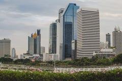 Bangkok, Tailandia - 12,2018 augusti: Vista di paesaggio urbano del giardino di Benjakiti immagini stock libere da diritti
