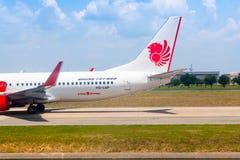 Bangkok, Tailandia - 13 de abril de 2017: Boeing 737-800 Lion Air tailandés Fotos de archivo libres de regalías