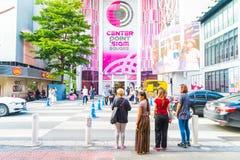 BANGKOK, TAILANDIA - 31 DE AGOSTO DE 2017: Turistas no identificados en Tailandia Foto de archivo