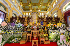 Bangkok, Tailandia - 24 de diciembre de 2014: La urna mortuoria de Buddhi Foto de archivo libre de regalías
