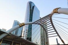BANGKOK TAILANDIA - 23 DE FEBRERO: Señal del vínculo del puente del cielo de Bangkok Foto de archivo