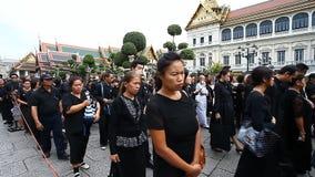 Bangkok, Tailandia 2 de febrero de 2017: Una ceremonia de despedida al rey querido El rey de Tailandia Bhumibol Adulyadej Rama metrajes