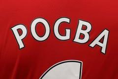 BANGKOK, TAILANDIA - 13 DE JULIO: Nombre de Paul Pogba en la O.N.U de Manchester Imágenes de archivo libres de regalías