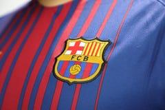 BANGKOK, TAILANDIA - 26 DE JUNIO: : el logotipo del cl del fútbol de Barcelona Fotografía de archivo libre de regalías