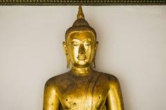 Bangkok, Tailandia 29 de marzo de 2016 Buddha de oro Buddha en el fondo blanco Fotografía de archivo