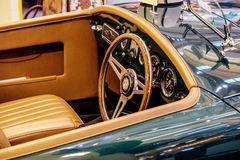 BANGKOK, TAILANDIA, - 11 DE MARZO DE 2018: Un coche MG MGA 1500 del vintage: 1959 fue mostrado en un salón del automóvil clásico  Fotos de archivo libres de regalías