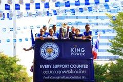 Bangkok, TAILANDIA - 19 de mayo de 2016: La ciudad de Leicester llega en Bangkok a los héroes en el camino de Sukhumvit en el 19  Imagen de archivo libre de regalías