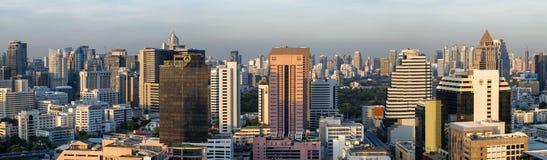 Bangkok Tailandia - 18 de mayo de 2016: Panorama del distrito de Rak de la explosión, la área comercial más ocupada de Bangkok, T Fotografía de archivo libre de regalías