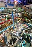 Plaza interior de Pantip, un centro comercial electrónico y del software grande en Bangkok Foto de archivo libre de regalías