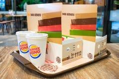 BANGKOK, TAILANDIA - 4 DE MAYO: Un par de comida de alimentos de preparación rápida fija de B imagen de archivo libre de regalías