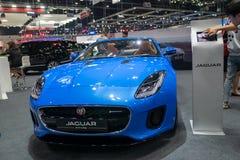 Bangkok, Tailandia - 30 de noviembre de 2018: Demostración de coche de JAGUAR en la EXPO internacional 2018 del MOTOR de la expo  fotos de archivo libres de regalías