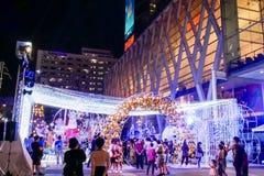 BANGKOK, TAILANDIA - 21 DE NOVIEMBRE DE 2017: Feliz Navidad y feliz Fotos de archivo libres de regalías