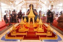 Bangkok, Tailandia - 10 de noviembre de 2017: La exposición real del crematorio de rey Bhumibol Adulyadej en SanamLuang Fotos de archivo