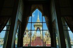 Bangkok, Tailandia - 10 de noviembre de 2017: La exposición real del crematorio de rey Bhumibol Adulyadej en SanamLuang Fotos de archivo libres de regalías