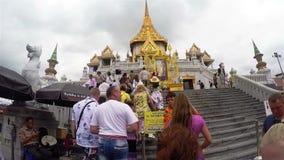BANGKOK, TAILANDIA 15 de noviembre de 2017: Wat Traimit Temple metrajes
