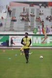 BANGKOK TAILANDIA 5 DE OCTUBRE: Calentamiento de Olof Watson antes del fútbol Foto de archivo libre de regalías