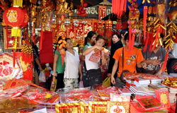 Bangkok, Tailandia: Decoraciones chinas del Año Nuevo Fotografía de archivo