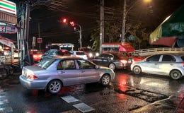 BANGKOK, TAILANDIA - 26 DICEMBRE: I communiters di ora di punta stanzia la m. immagini stock libere da diritti