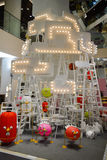 Bangkok, Tailandia: 29 gennaio 2017 all'evento di Siam Discovery Chinese New Year La lampada artificiale è una forma di uccelli Immagini Stock Libere da Diritti
