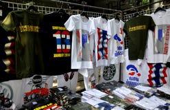 Bangkok, Tailandia: La operación cerró las camisetas de Bangkok Fotografía de archivo libre de regalías