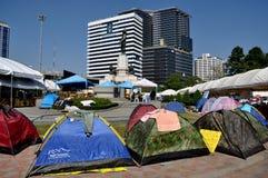 Bangkok, Tailandia: La operación cerró las tiendas de Bangkok en el parque de Lumphini Imágenes de archivo libres de regalías