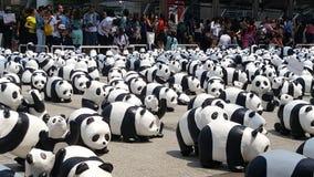 Bangkok, Tailandia - 8 marzo 2016: Giro del mondo di 1600 panda in Th Immagini Stock Libere da Diritti