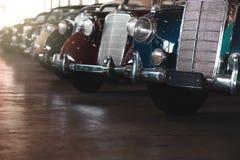 BANGKOK, TAILANDIA - 1° MARZO 2017: retro automobili d'annata di Mercedes che parcheggiano nel museo dell'automobile di Jesada Fotografie Stock