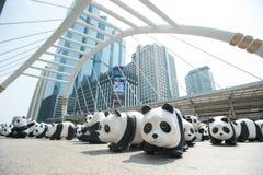 Bangkok, Tailandia - 8 marzo 2016: un campo di 1600 della carta panda di Mache Fotografie Stock