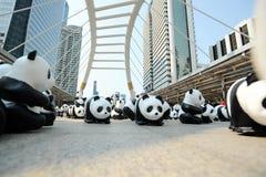 Bangkok, Tailandia - 8 marzo 2016: un campo di 1600 della carta panda di Mache Fotografia Stock