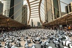 Bangkok, Tailandia - 8 marzo 2016: un campo di 1600 della carta panda di Mache Immagine Stock Libera da Diritti