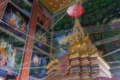 BANGKOK, TAILANDIA - 24 OTTOBRE 2017; Arte storica di Buddha dentro Immagini Stock