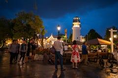 Bangkok, Tailandia - 7 ottobre 2018: La gente visita e pranza al ch fotografie stock libere da diritti