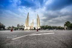 Bangkok, Tailandia - 19 ottobre 2016: Monumento Anusawar di democrazia Immagini Stock