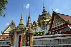 Bangkok, Tailandia: Padiglione di Ho Trai a Wat Pho Fotografia Stock